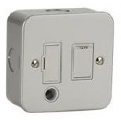 MC6300F - Metal Clad Fused Spur - Switched With Flex Outlet